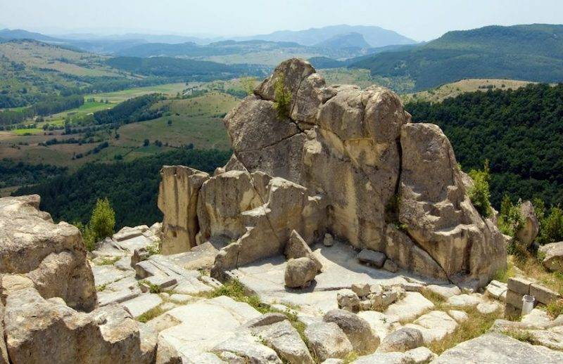 Bulgaria Tour Perperikon